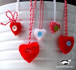 Валентинки из помпонов