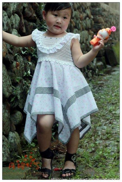 Вязаные платья праздничные для девочек