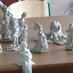 Поделки из туалетной бумаги Изящные статуэтки