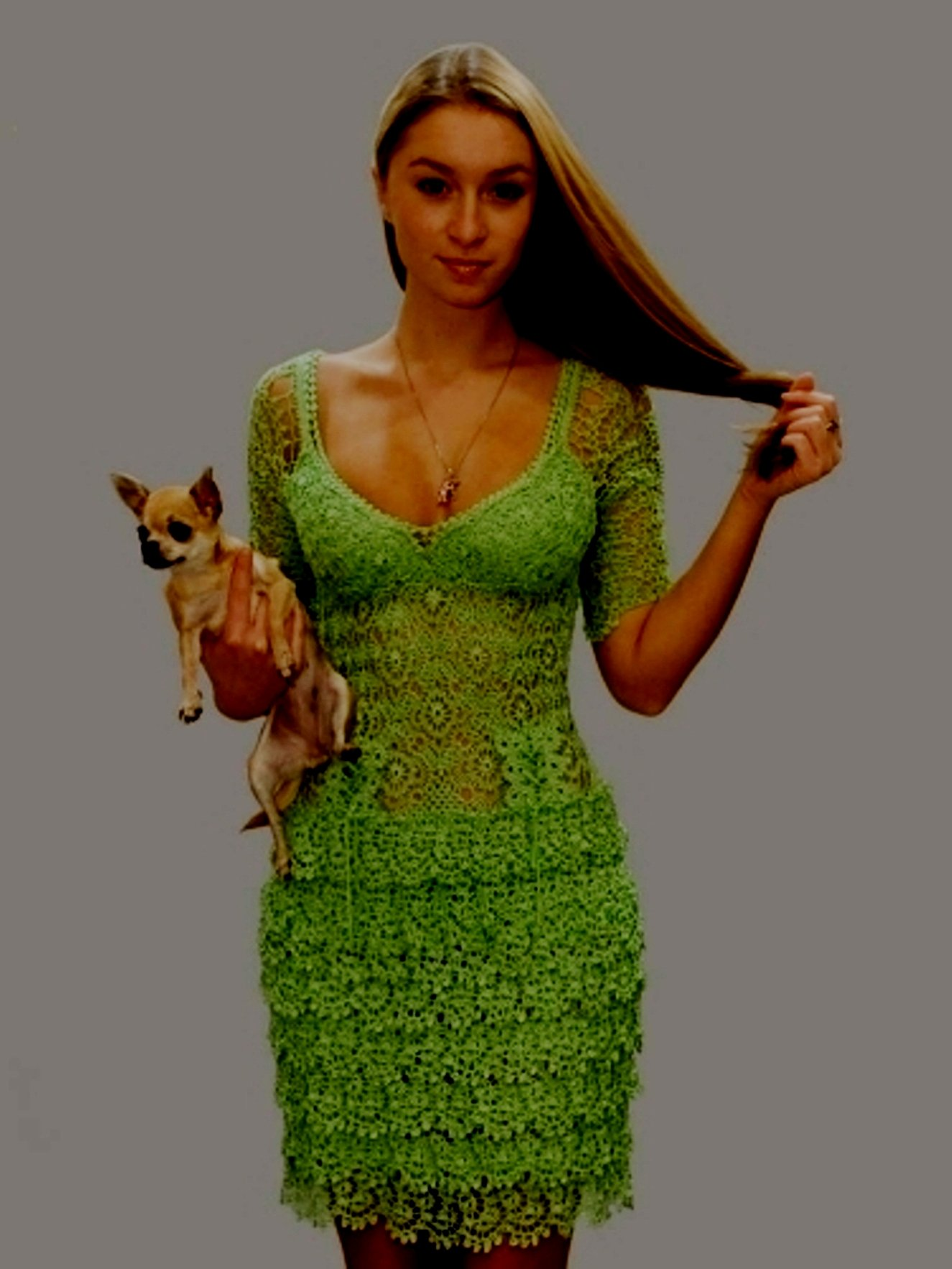 Вязанные зеленое платье крючком