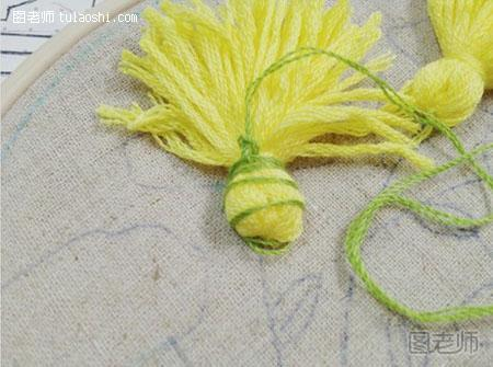 вышивка одуванчики