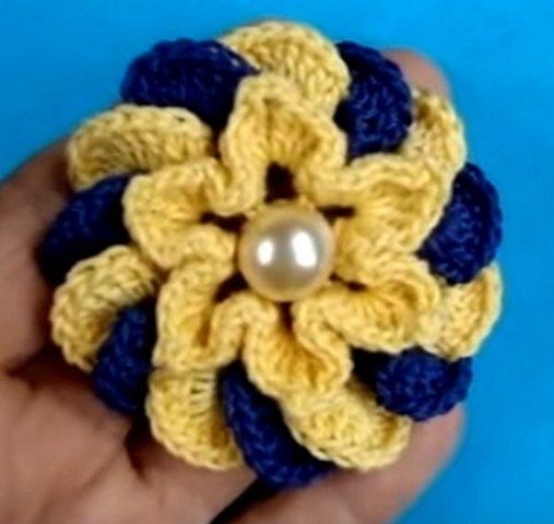 разноцветный объемный вязаный крючком цветок мастер класс