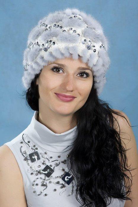 красивые вязаные шапочки с мехом Razpetelkaru