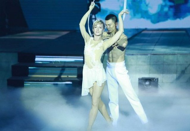 chinese-russian-dance